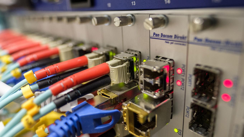 Lichtwellenleiter - der Turbo fürs Internet